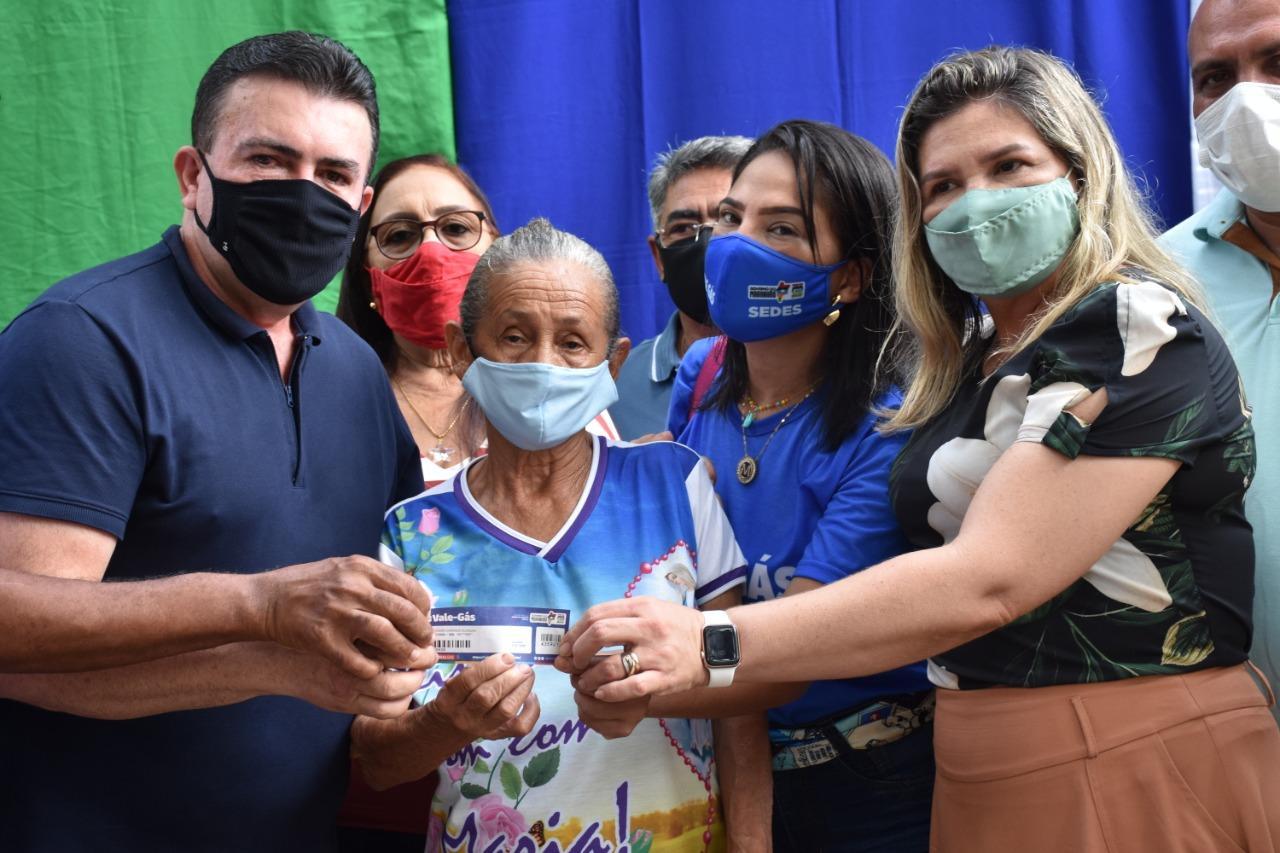 """Prefeitura de Bacabal e Governo do Estado promovem o """"Dia D"""" de entrega do Vale Gás"""