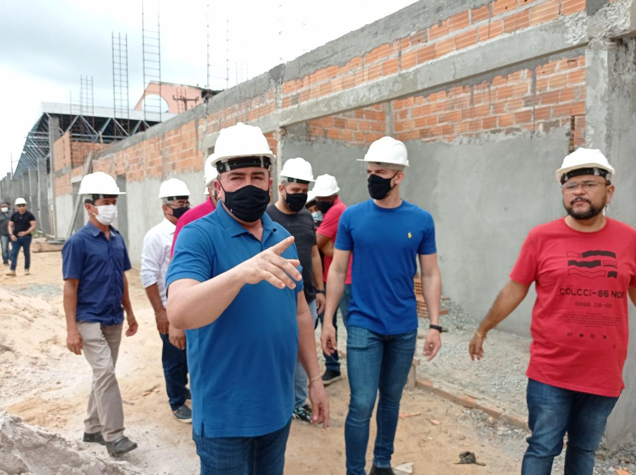 Prefeito Edvan Brandão inspeciona obras da Central de Abastecimento de Bacabal