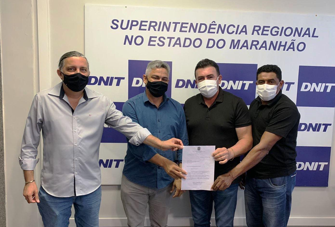 Prefeito Edvan Brandão pede ao DNIT a instalação de semáforos e passarelas de pedestres